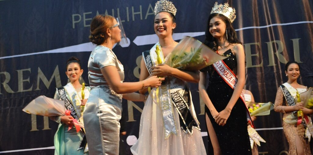 Shiva Sukania Sankara Puteri Remaja Jawa Barat
