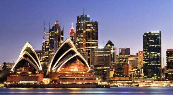 ANALISA CROWN GROUP PROPERTI AUSTRALIA MELAMPAUI PREDIKSI