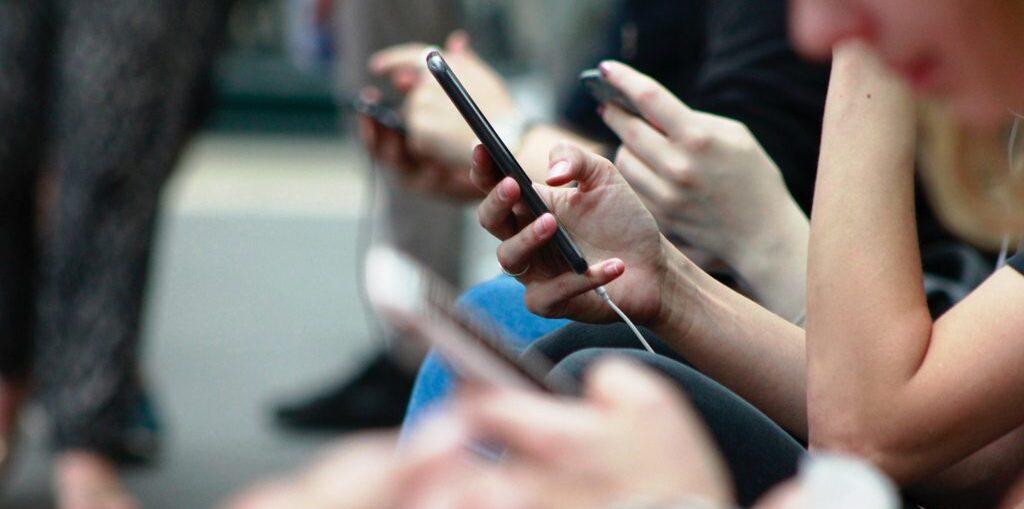 Tangkal Hoaks Bersama di Dunia Digital
